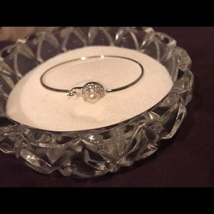 Pearl bangle bracelet by Vantel Pearls